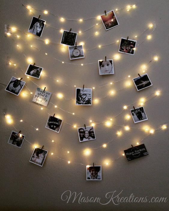 varal de fotos no quarto iluminado