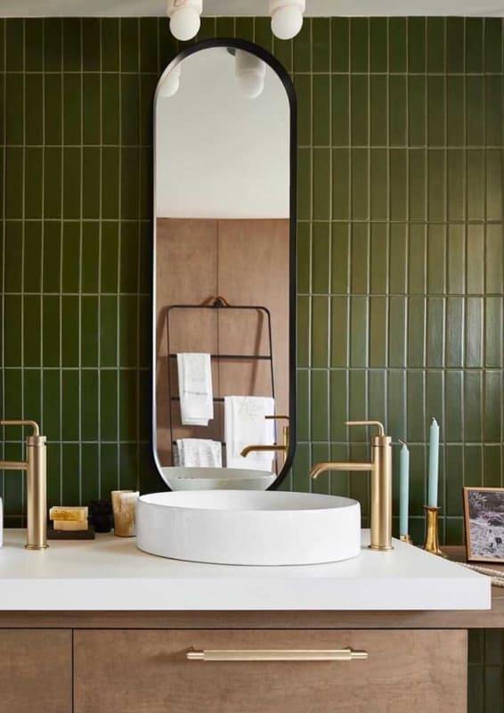 verde musgo em banheiros