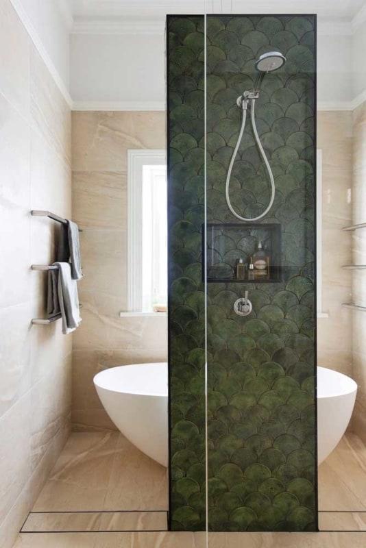 verde musgo no banheiro