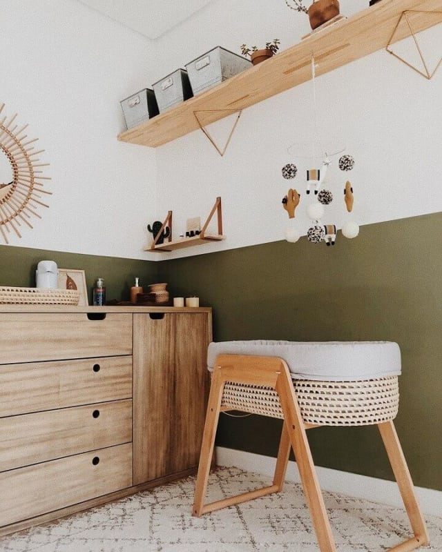 verde musgo no quarto infantil