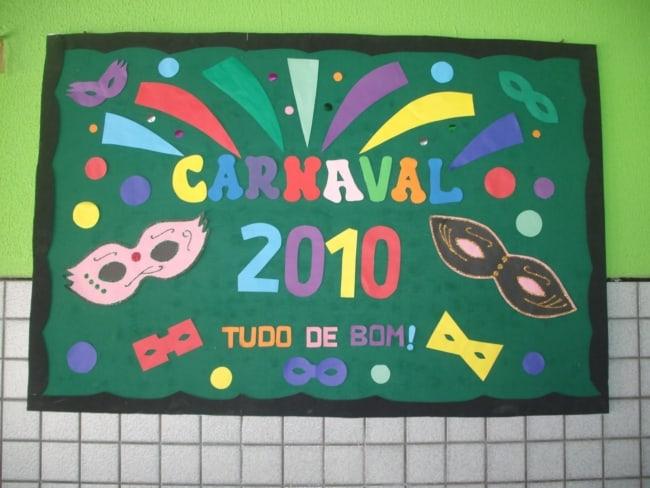 painel decorado para carnaval na escola