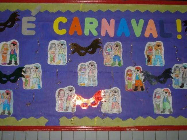 painel de atividades de carnaval na escola