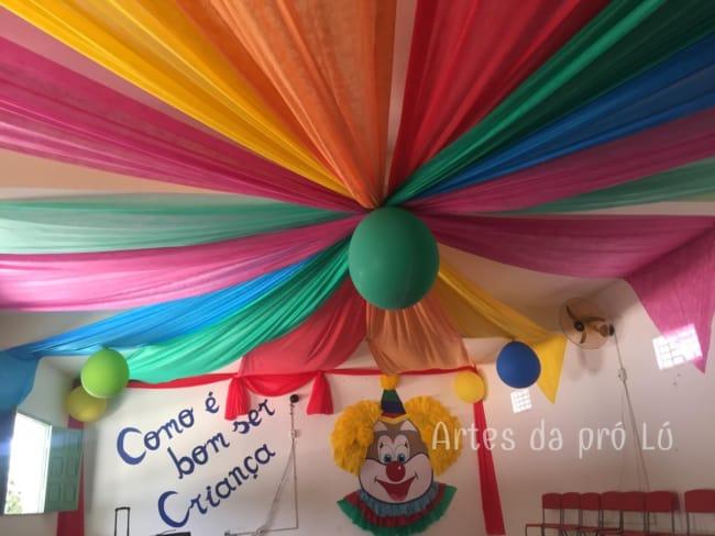 decoração em TNT para carnaval