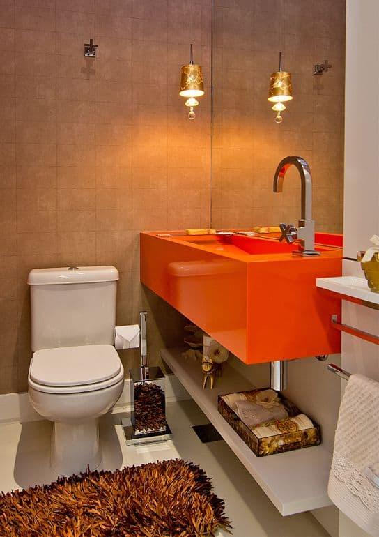 Bancada de banheiro laranja