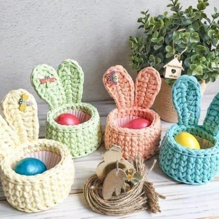 Cesta de Páscoa artesanal de crochê