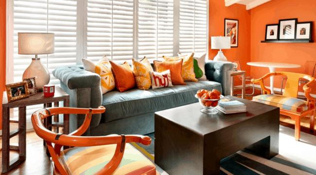 Decoração laranja na sala