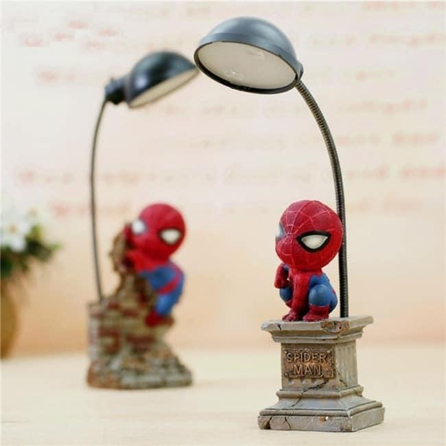 Dica de luminária de mesa com homem aranha
