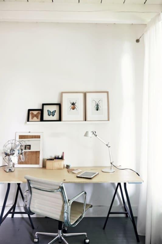 Luminária articulada para escritório