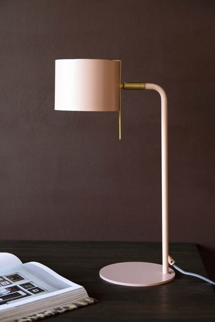 Luminária de mesa para quem procura delicadeza