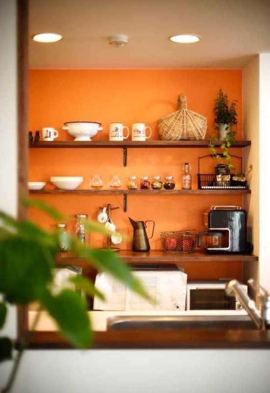 Parede cor laranja para cozinha