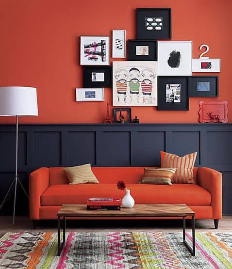 Sala em laranja e preto
