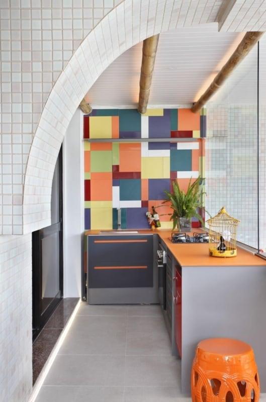 area gourmet pequena e simples colorida