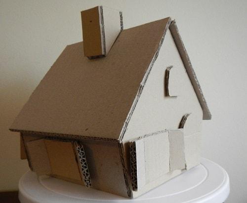 casa de papelão simples