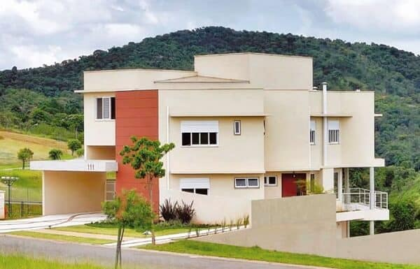 casa moderna com platibanda