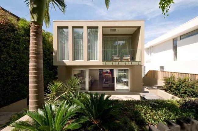 casa simples com fachada e platibanda