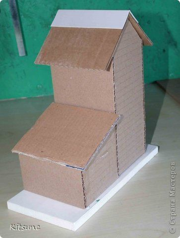 casinha de papelão em maquetes