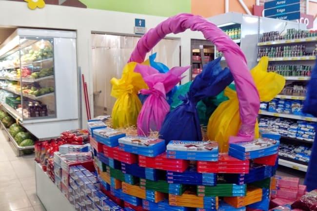 decoração de pascoa em mercado
