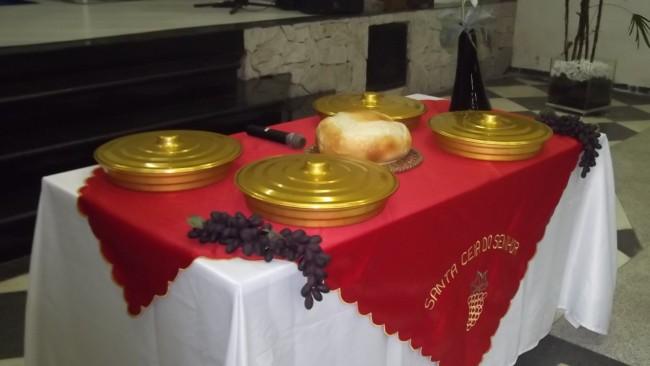 decoração simples de pascoa para igreja