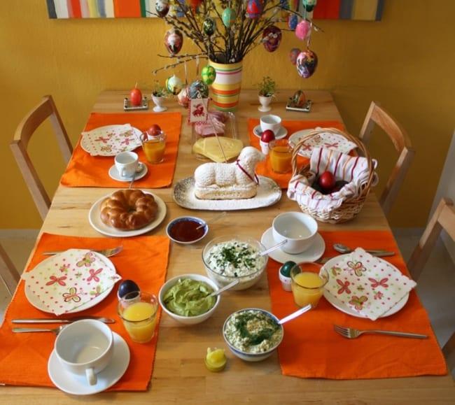 mesa de almoço para pascoa