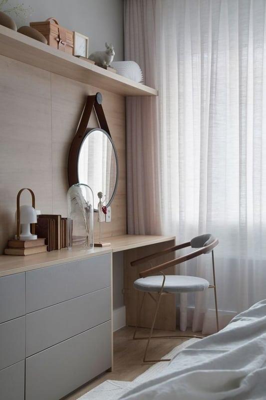quarto com espelho adnet