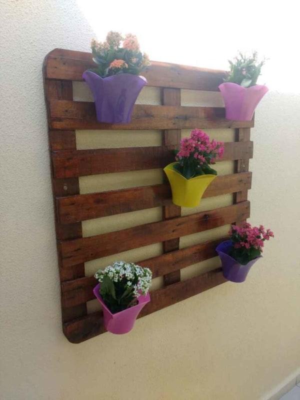muro decorado com flores