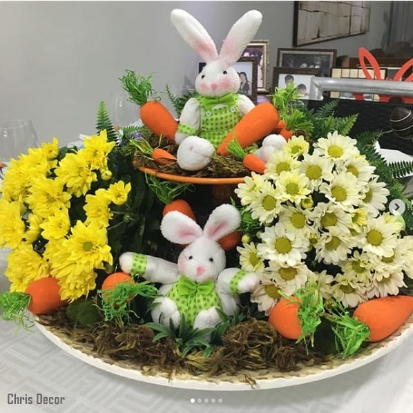 enfeite de mesa de páscoa com flores
