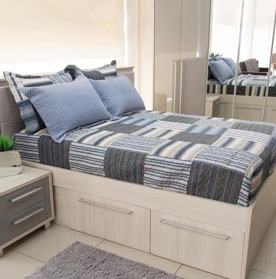 cama de casal em MDF com gavetas