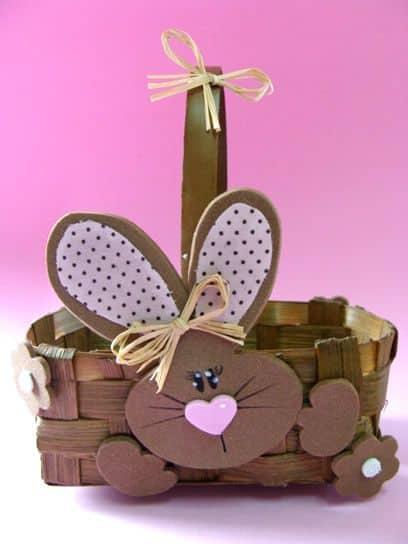 cesta simples decorada em EVA