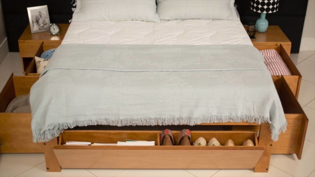 cama de casal com gavetas e sapateira