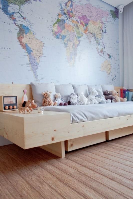 quarto infantil com cama de madeira pinus com gavetas
