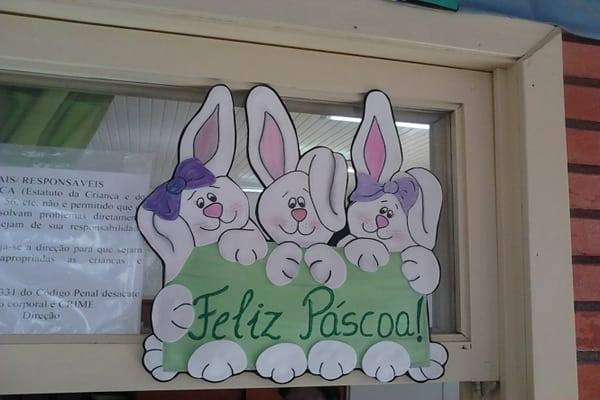 Aplique de coelhinho para decoração de páscoa para escola24