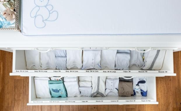Arrumar a cômoda de roupas
