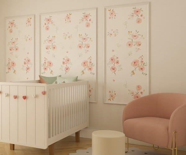 Boiserie com papel de parede floral