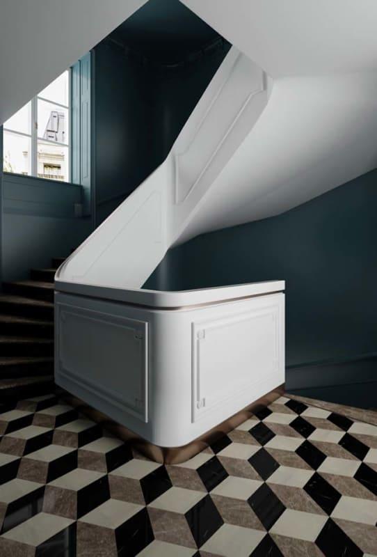 Boiserie na escada da sala