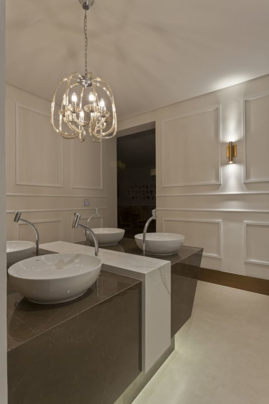 Boiserie para banheiro elegante