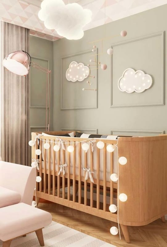 Boiserie para quarto de bebê delicado