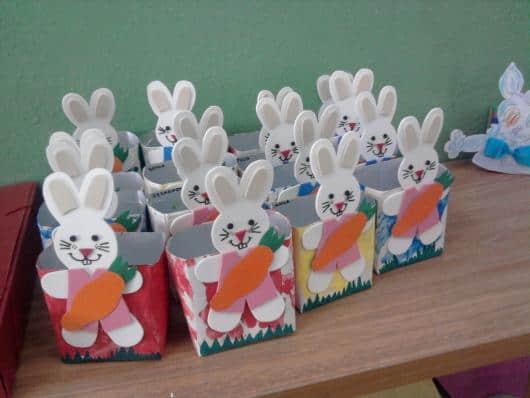 Caixinhas com coelhos para fazer com as crianças