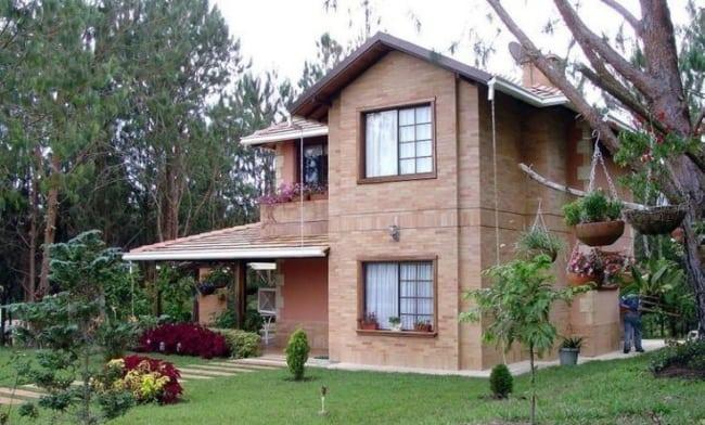 Casa com tijolos moderna