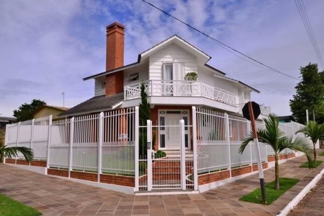 Casa moderna com tijolos a vista