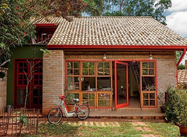 Casa pequena com tijolos