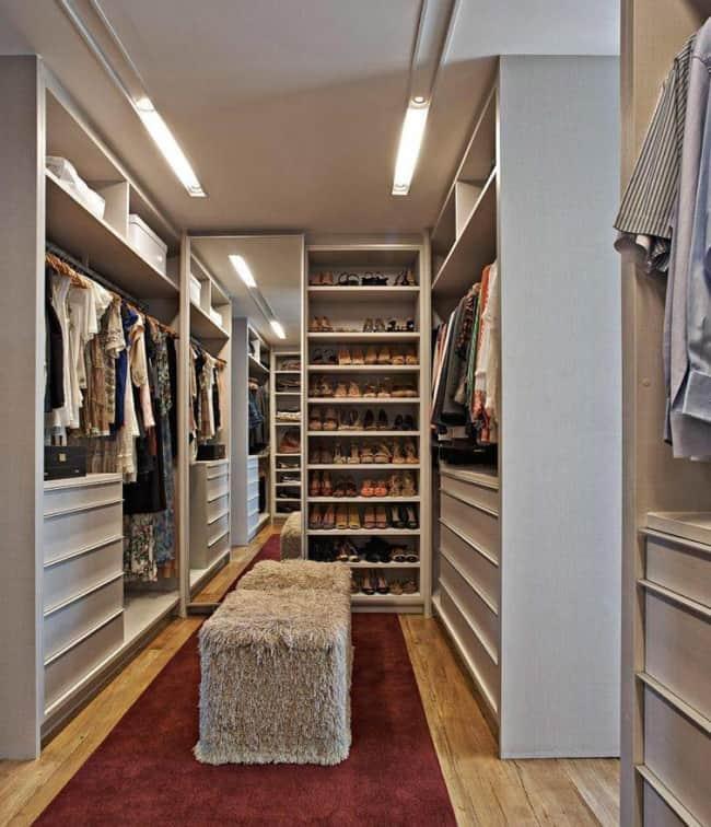 Closet branco planejado para casal