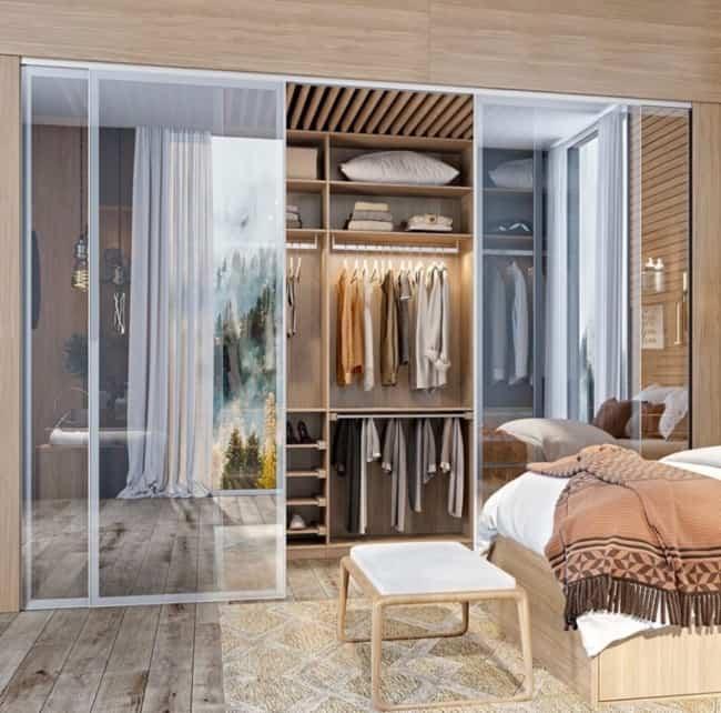 Closet planejado moderno com portas de correr