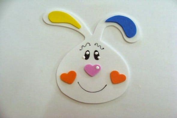 Coelhinho em EVA para decoração de páscoa para escola21