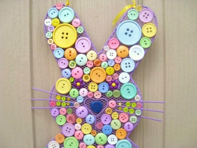 Coelhinhop de botôes para decorar porta de escola28