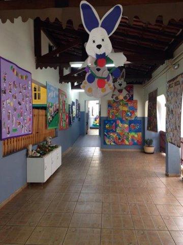 Coelinho de papel para decoração de Páscoa para escola2