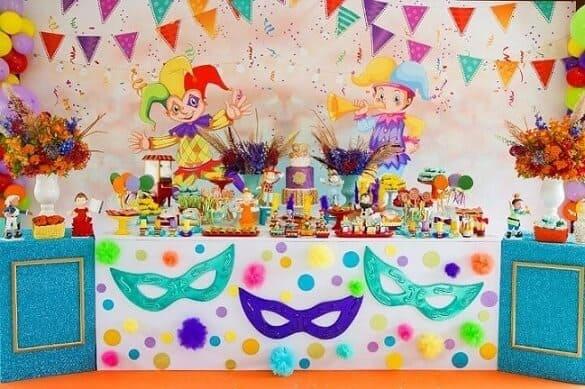 Decoração de Carnaval para aniversário com painel personalizado21