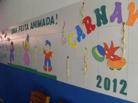 Decoração de Carnaval para escola com apliques de MDF30