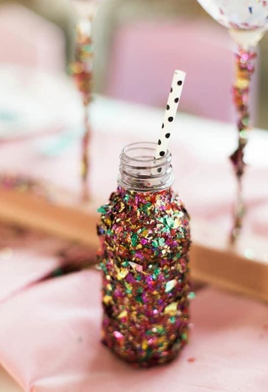 Decoração de Carnaval simples com vidro reciclado16