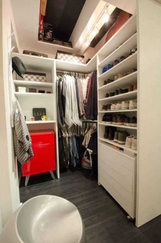 Dica para quem possui pouco espaço para o closet
