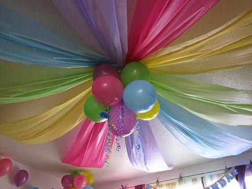 Enfeite de papel crepom decoração de Carnaval60